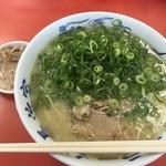 元祖長浜家 - 『ラーメン』しゃん(450円)+『替肉』しゃん(100円)こいでチャーシューメンたい!(笑)