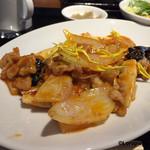 中国料理 空 - 海老、いか、豚バラ肉のピリ辛炒め。