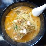 ウリナム食堂 - ウリ辛ラーメン(¥920税込み)魚介の出汁が香るチゲ鍋風ラーメン