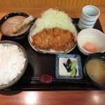 とんかつ 三太 - ロースカツ定食1250円