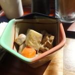 ヨリドコロ - 鶏肉と野菜の煮物
