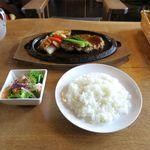 ビッグフォーレスト - ハンバーグセット(1,150円)