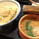 烈志笑魚油 麺香房 三く - つけ麺もあり!麺がうどん並みに太いよ