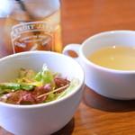 カフェドメルシー - セットのサラダとスープ