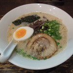 麺屋黒田 - 豚骨白ラーメン