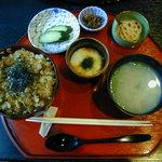 季節の風 蔵 - しじみ丼(1370円)