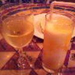 ジャイプール - 白ワイン、マンゴーラッシー