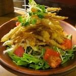 ごくう - カリカリごぼうのサラダ(¥650−)