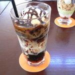 ROQUI  CAFE - モカパフェ