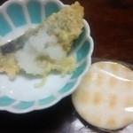Kogureshokudou - 左  イワシの天ぷら(サービス)  右  3時のおやつ(笑)