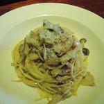キサキ - 料理写真:パスタセット:秋茸とベーコンのクリームスパゲッティ