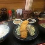藤原 - 明石鯛のフライ定食500円です、ご飯もツヤツヤで、大満足!