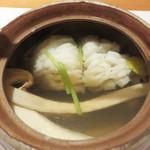 日本のお料理 稲垣 - 松茸と鱧の土瓶蒸し。