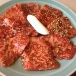 美福苑 - ランチでも身も厚くて良いロース肉でした。