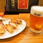 元祖ぎょうざ苑 - 餃子にはビールよねぇ