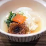 懐石料理 はし本 - 湯葉などの煮物