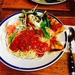 ホットポット - スパゲティトマトソース