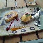 イタリアンレストラン テラッツァ - デザートセット200円 巨峰のロールケーキとマンゴーババロア