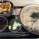 43341887 - 秋栗とアサリのかき揚げ丼セット