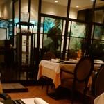 ル レストラン マロニエ - お店の中です。