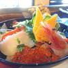 三日月イン - 料理写真:海鮮丼