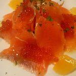モリモト - 清里ベニマスと人参、オレンジのサラダ いくらのせ