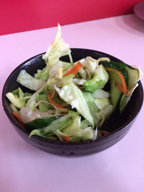 中華三十番 - サービスのサラダ?