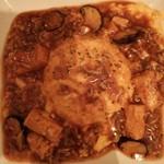 ブーンブーンキッチン - 茄子と豆腐の麻婆オムライス  ご飯はピラフ