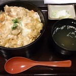 とり屋 - 匠の親子丼(750円)