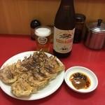 43354702 - 焼き餃子2人前&ビール