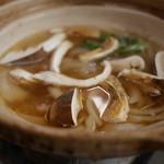 居酒屋割烹 木春 - 松茸が入ったハモ鍋
