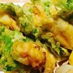 伊勢鳥羽かきと菊菜の天ぷら