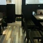 食堂カフェ COCO家 - 喫煙席です。落ち着いて煙草が吸えますね。(^-^)