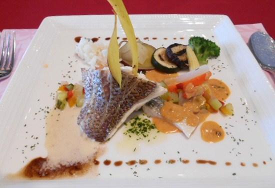 クラブコントラーダ - ランチ アマルフィコース:鯛を色々なソースで