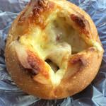 手作りパンこむぎ - チーズウインナー