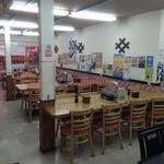 函館朝市 栄屋 よさこい食堂 - ゆったりと過ごせる店内
