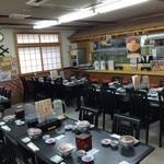 函館朝市 栄屋 よさこい食堂 - 団体で御利用できる広い店内