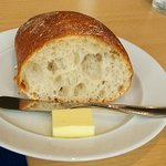 kaferesutorankihada - 熱々のパン