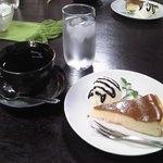 中澤カフェ - 料理写真:ベイクドチーズケーキ セット¥450 全景♪w