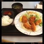 カロヴァーレ - 日替り800円カキフライ
