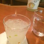 日本酒バー 雲レ日 - ゆず酒水割り