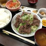 43389165 - 牛タン焼定食 850円 (ご飯大盛り・おかわり自由)