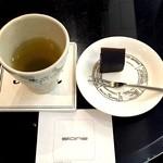 ストーン  - 【ドリンク】日本茶(ようかん付き)