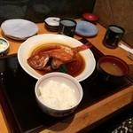 寿司 うまいもの処 伊勢家 - ご飯セットをつけて定食完成。