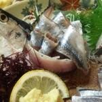 おかえり - 秋刀魚の刺し身