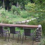 産庵 - 湧水のお庭を眺めながらのお食事もできます。