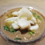 43400389 - 新イカのソテー 肝と石川小芋のスープ仕立て
