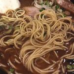 ラーメンヨシベー - ツルツルザクザクな麺