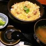 43405620 - 親子丼630円 お味噌汁お新香セットで+120円