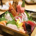 俺の魚を食ってみろ!! - 2015.10 玉手箱-極上鮮魚七種盛り-(1人前580円×3)